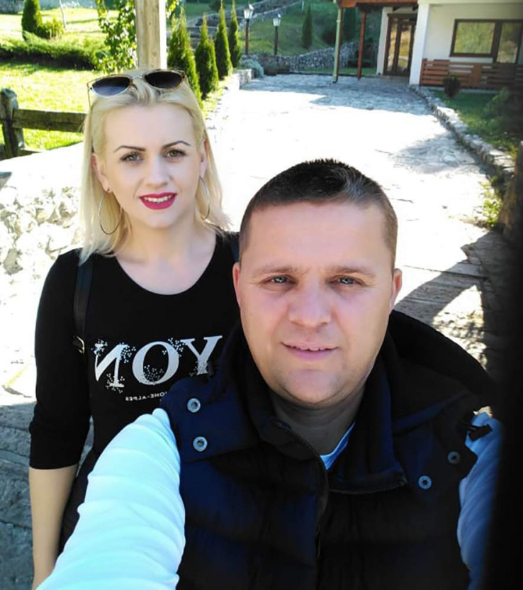 Huseinović sa suprugom: Bila uz njega