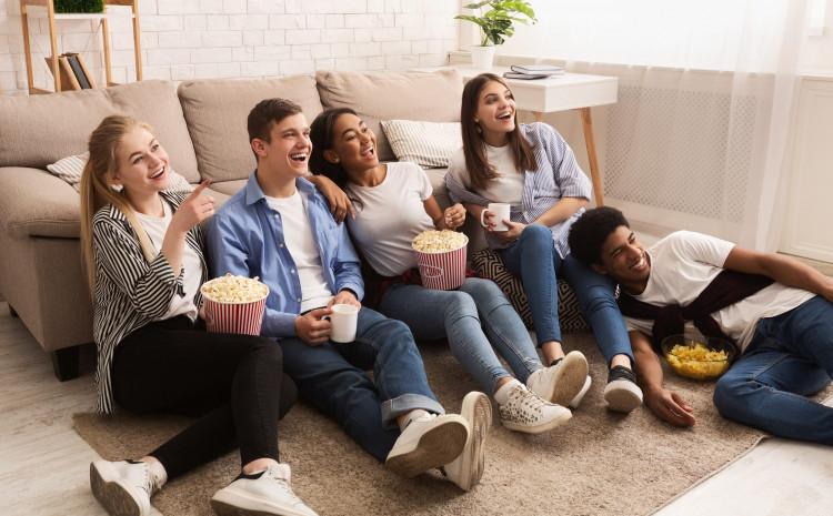 Publika u svojim dnevnim sobama: Klikom biramo šta gledati