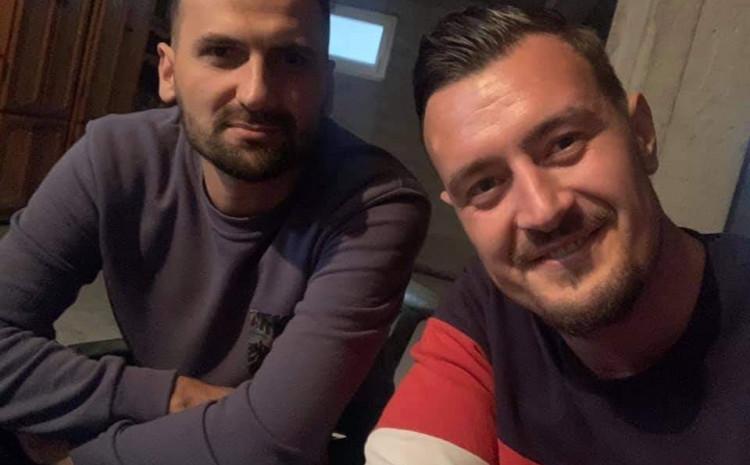 Ubijeni Jasmin Berović (lijevo) i njegov brat
