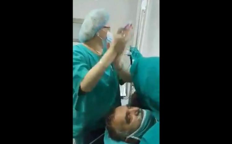 Pacijent na operacionom stolu hoće rakije dok doktor i medicinske sestre pjevaju i plešu