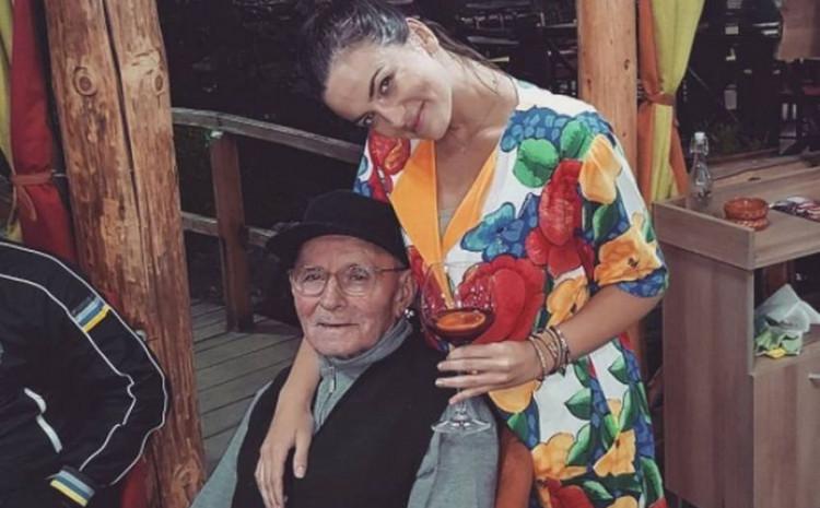 Milica Pavlović i deda  Vladimir