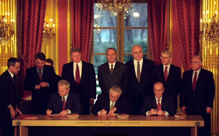 Potpisivanje Dejtonskog mirovnog sporazuma