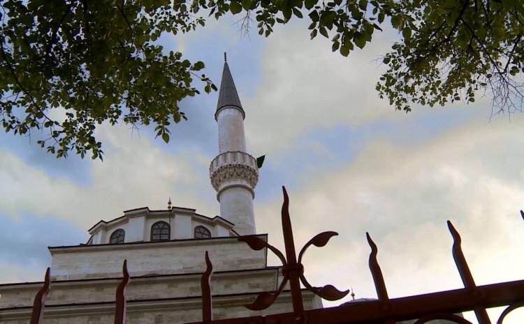 Džamija Ferhadija: Bajram se spušta po jasnim procedurama