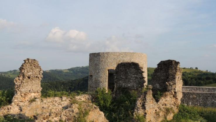 Stari grad Bužim je 2003. godine proglašen nacionalnim spomenikom BiH