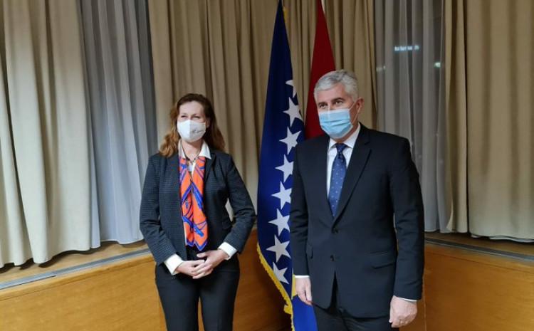 Ingrid Mekdonald i Dragan Čović