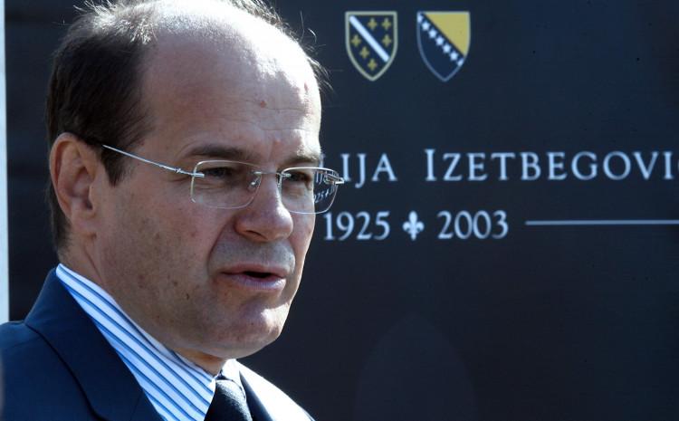 Osmanović: Dati odgovor na afere