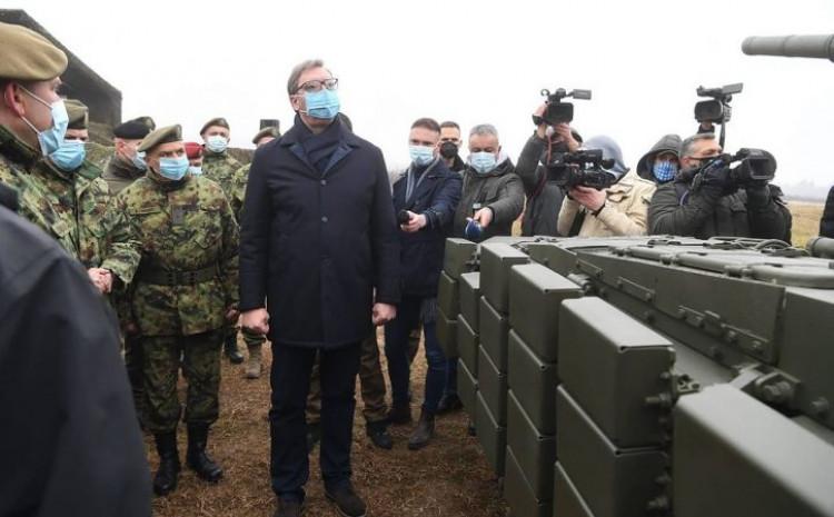 Vučić: Vojsci i naoružani dronovi