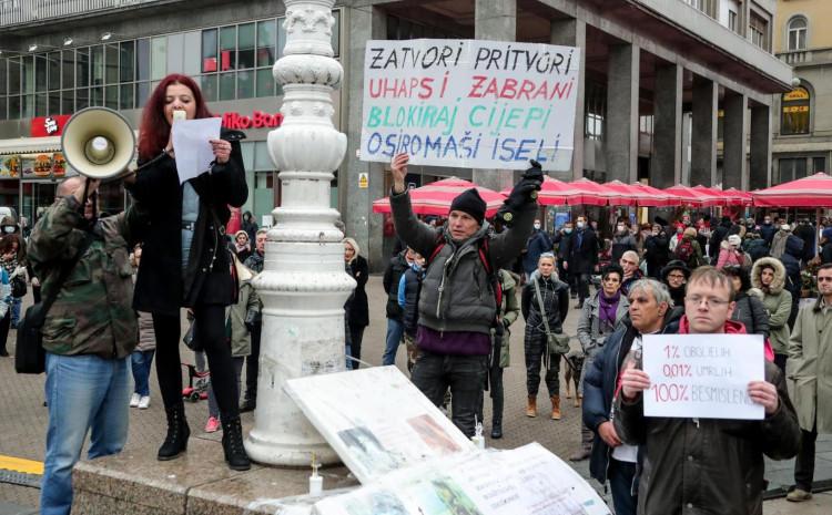 Protesti na Trgu bana Jelačića u Zagrebu