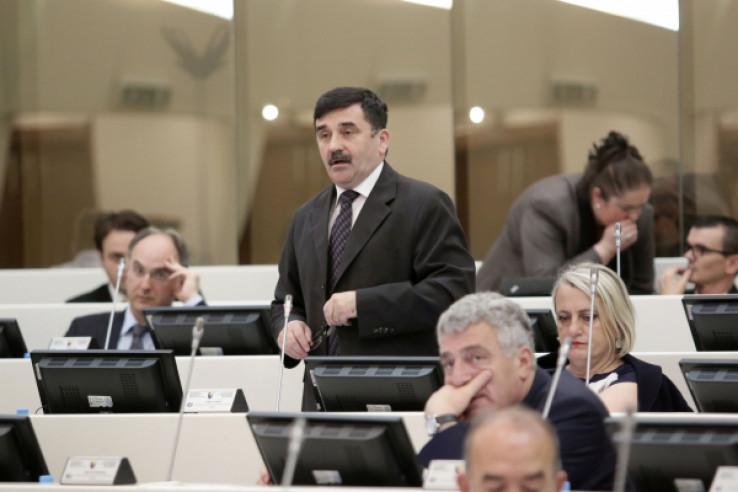 Zastupnik Nikola Lovrinović (HDZ)