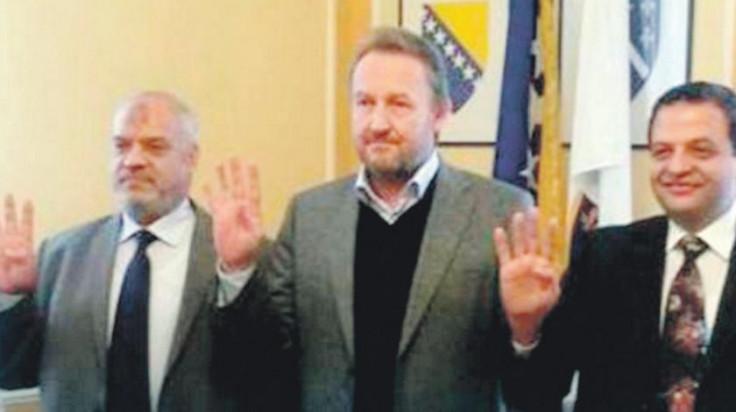 "Izetbegović photographed with the members of ""Muslim Brotherhood"" in the Presidency of B&H"
