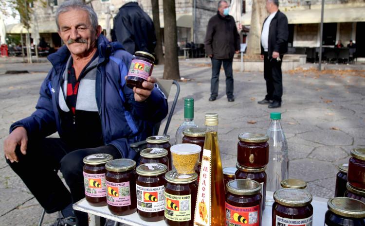 Vidaković prodaje prošlogodišnju zalihu