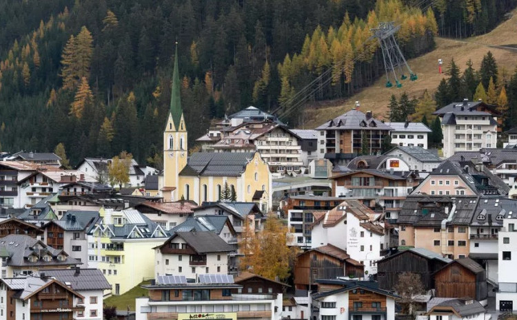 Like most other ski resorts in Austria, Ischgl draws tens of thousands of people each year