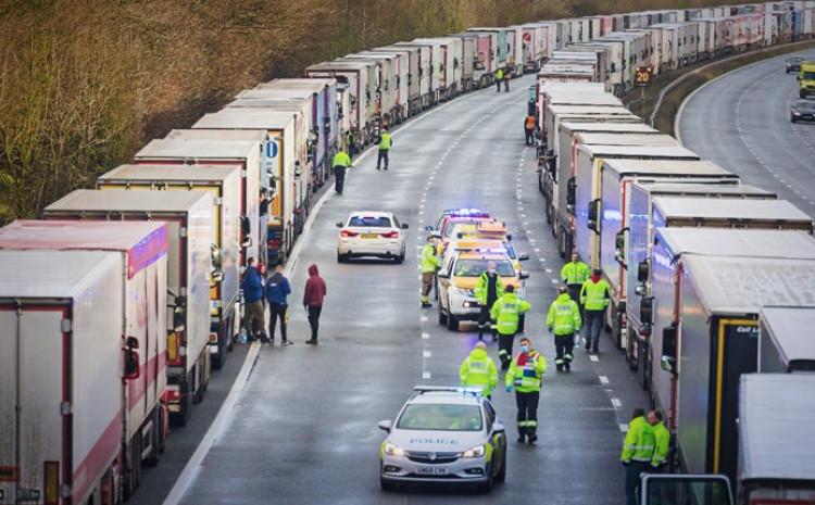 Kamioni su bili zaglavljeni danima na jugoistoku Engleske