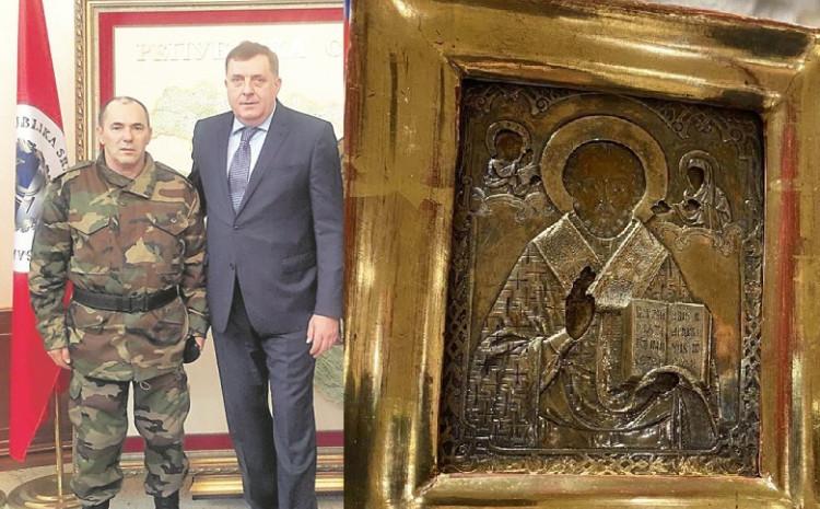 Duško Vukotić i Milorad Dodik: Da li je predsjednik Veterana RS poklonio spornu ikonu
