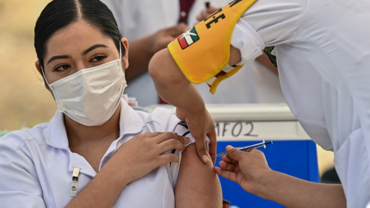 Svijet je krajem godine započeo masovnu vakcinaciju