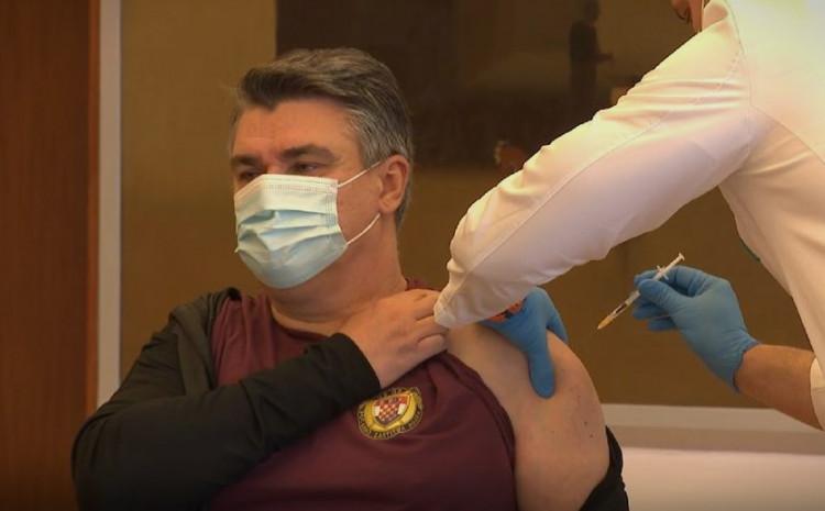 Predsjednik Hrvatske Zoran Milanović danas se javno vakcinisao protiv korone