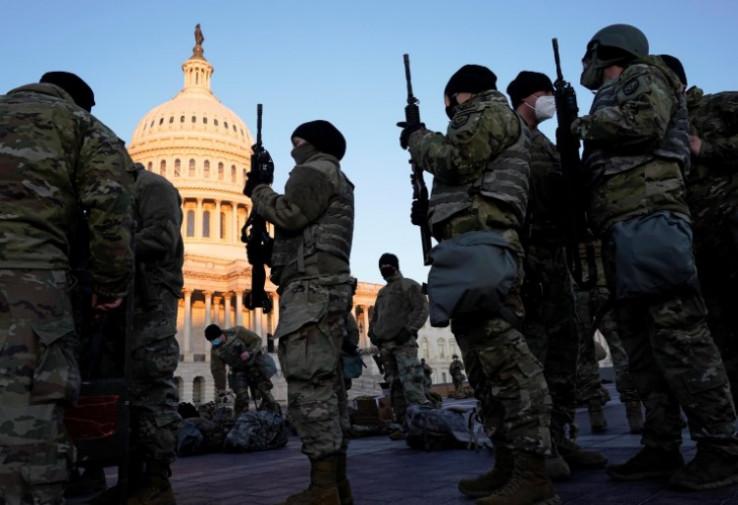 Nacionalna garda ispred Kapitola