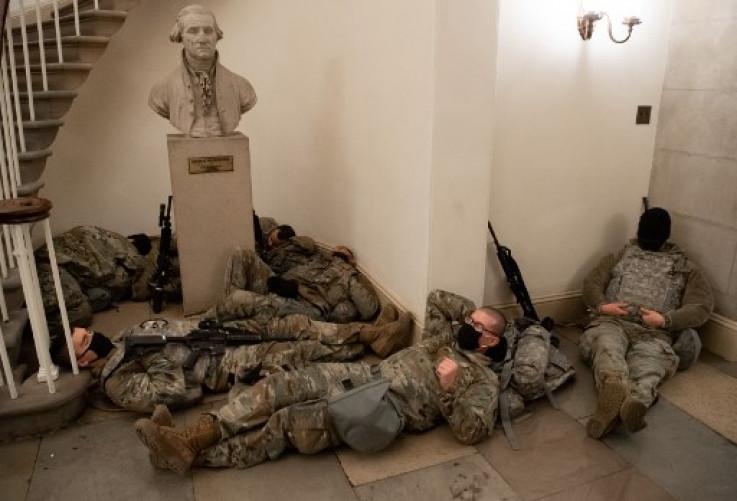 Pripadnici Nacionalne garde u Kapitolu