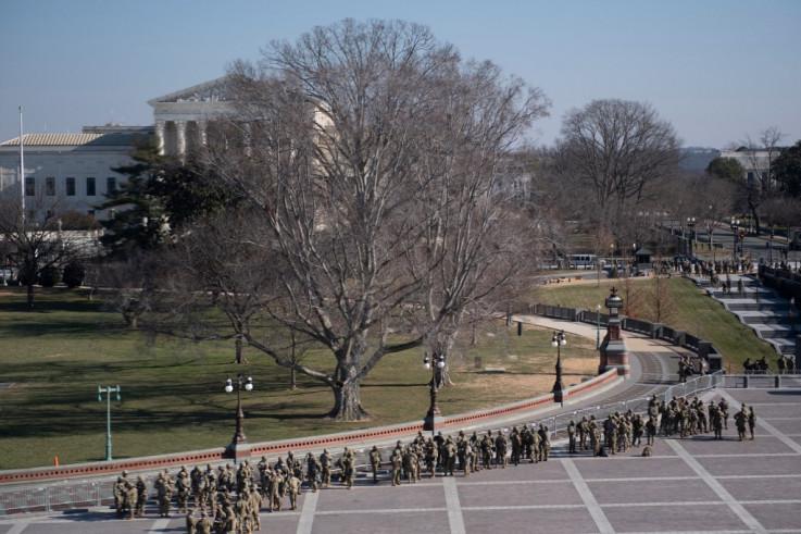 Jake snage oko Kapitola u Vašingtonu