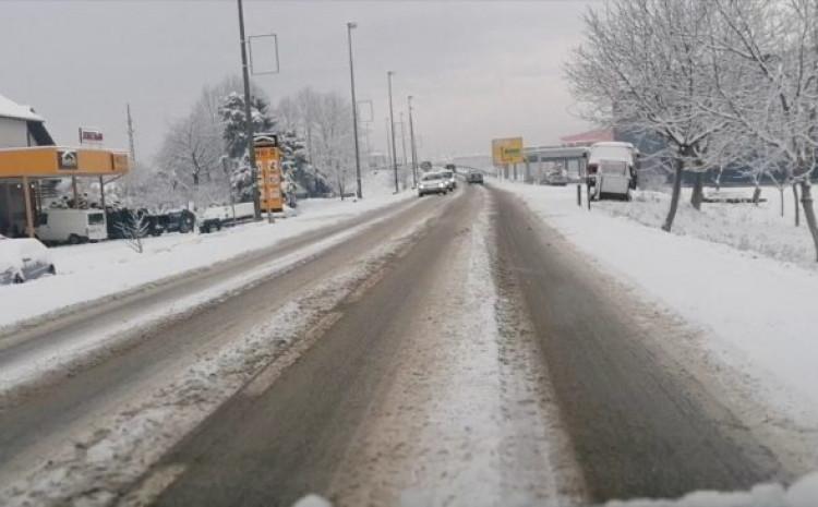 Snijeg na ulicama u Bosankoj Gradiški