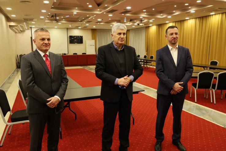 Milas, Čović i Mažar poslije sastanka