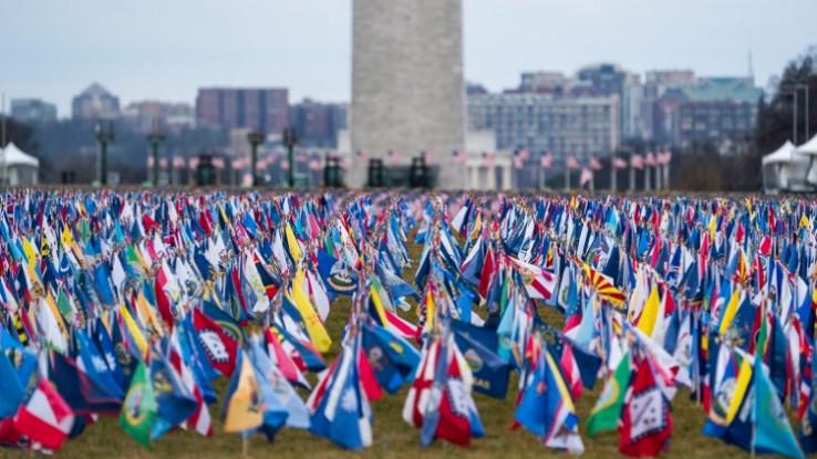 Postavljeno je skoro 200.000 zastava