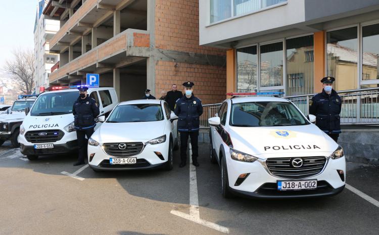 Tri nova službena vozila