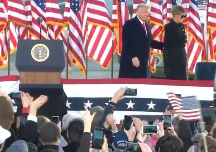 Nakon govora, Donald i Melanija kreću u Floridu