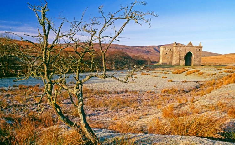 Granica između Škotske i Engleske uspostavljena je Jorkškim ugovorom