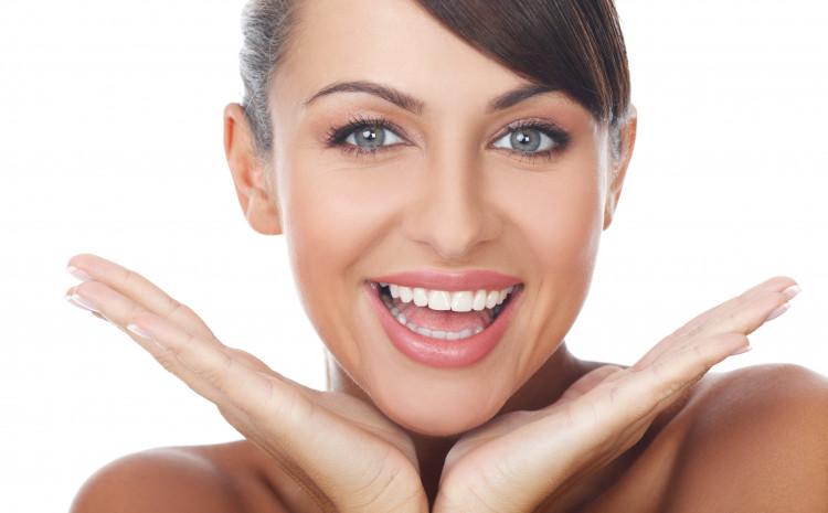Puno je razloga zašto naši zubi tamne i mijenjaju boju
