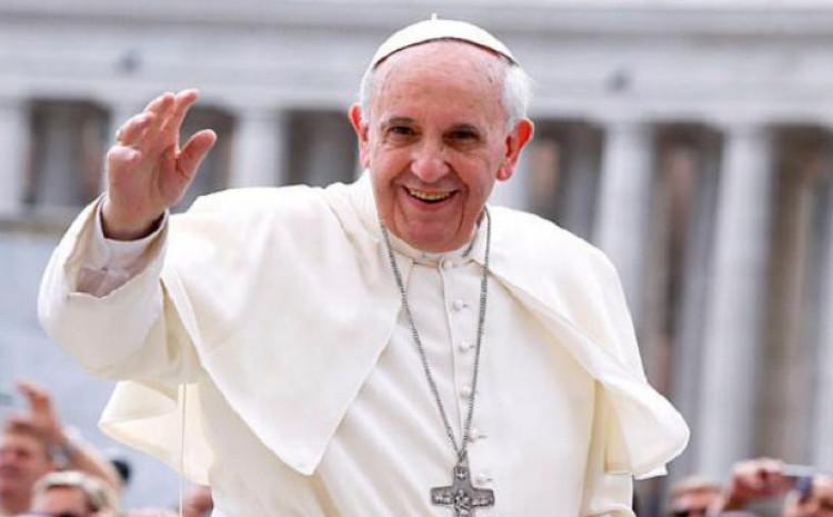 Papa Franjo: Otkazao pojavljivanja u javnosti