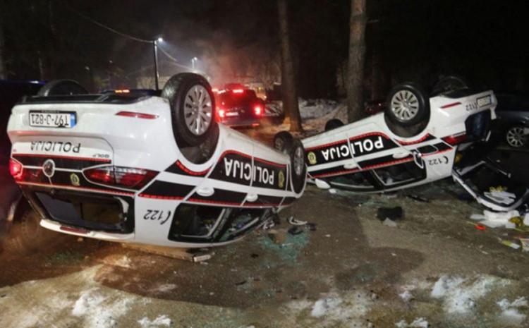 Nakon posljednjeg incidenta: Prevrnuta policijska vozila u Blažuju