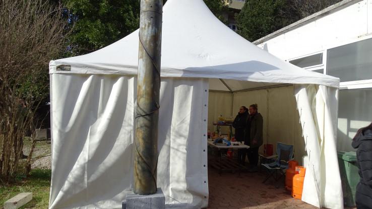 Medicinari se smjenjuju u šatoru