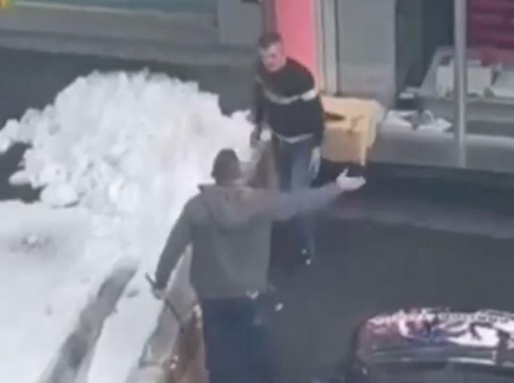 Muškarac povrijeđen sjekirom