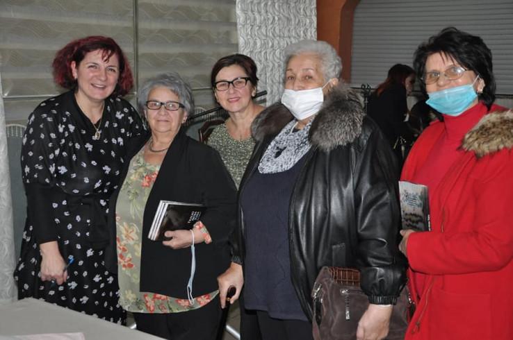 Na promociji Zeminine knjige i sestra Remiza, Šahidova i Hankina kćerka
