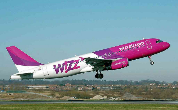 Avion Wizz Aira u zraku