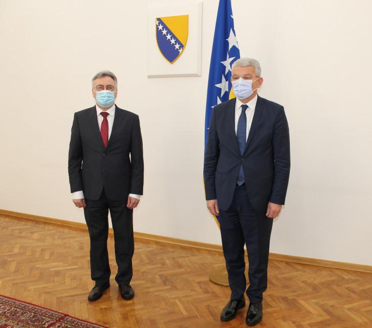 Ambasador Rusije u BiH Igor Kalabuhov i član Predsjedništva BiH Šefik Džaferović