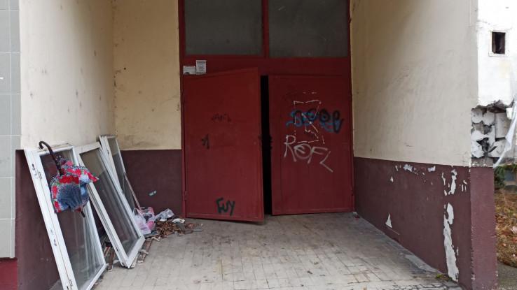 Trg nezavisnosti: Kabasti otpad ostavljen gdje ne treba