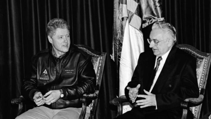 "Bill Clinton obvezao je ""razbojnike"" Tuđmana i Miloševića na Dejton, smatra Bajden"