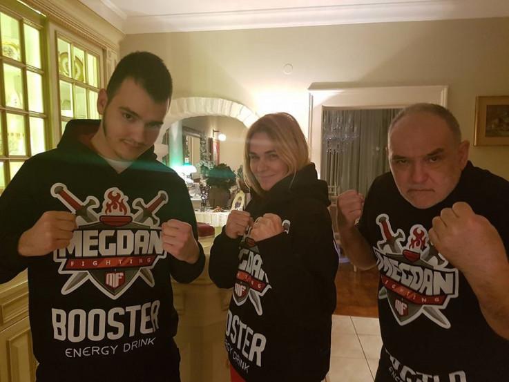 Aleksa sa mamom i tatom