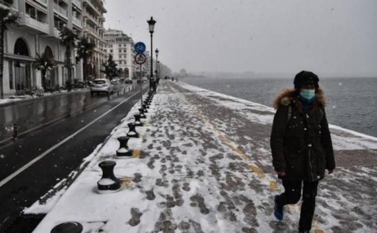 Snijeg na atinskim ulicama