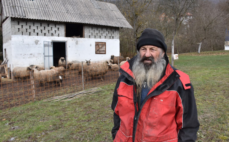 Ćosović: Apelirale su i komšije da se pomogne, jer godinama radi najteže poslove