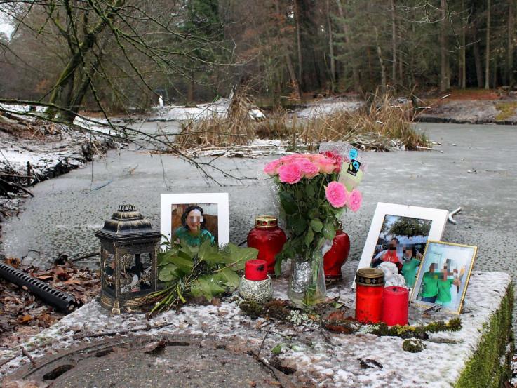 Rodbina i prijatelji ostavili cvijeće na mjestu gdje je tijelo nađeno