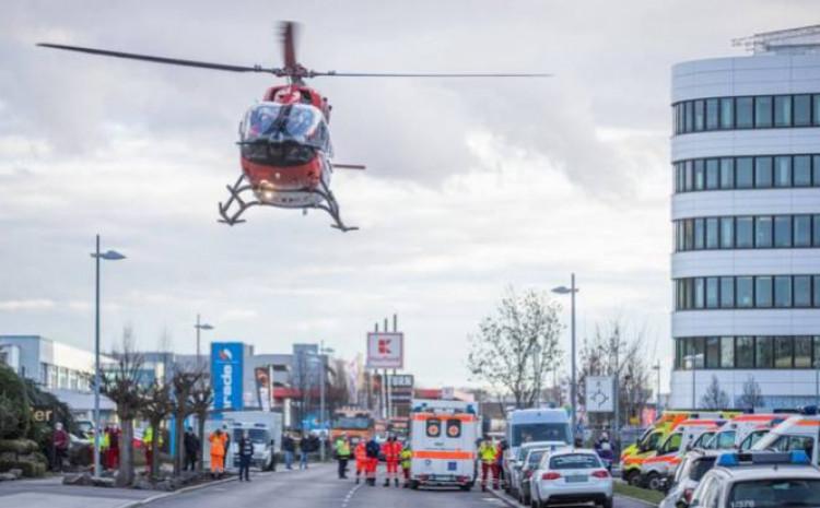 Policija na terenu, evakuisano 100 ljudi