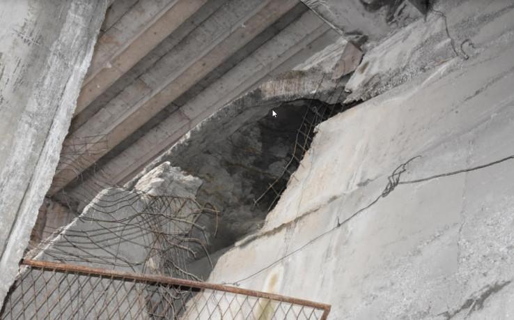 Ulica Hakije Kulenovića: Vidljiva velika oštećenja ispod mosta