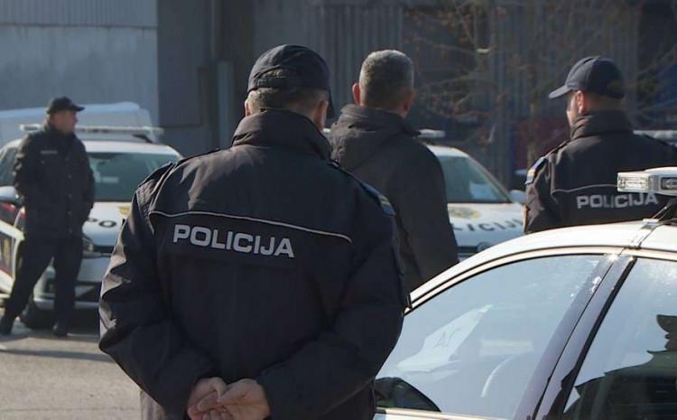 Policija uhapsila razbojnike