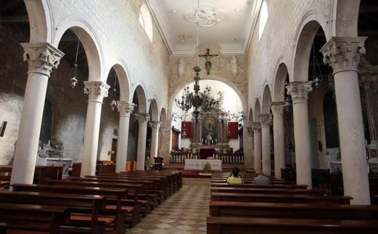 Katolici diljem Evrope masovno napuštaju Crkvu