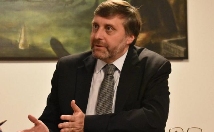 Palmer rekao da je pogrešan stav koji čuje u Sarajevu da će Bajdenova administracija riješiti probleme