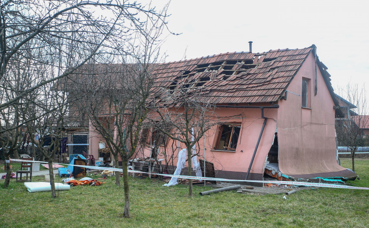 Kuća potpuno uništena