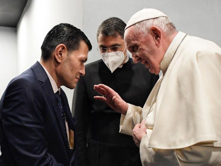Alanov otac Abdulah Kurdi s papom Franjom